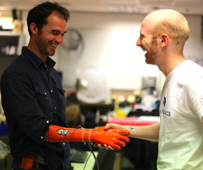 Nico Huchet, Bionico & Joel Gibbard, Open Bionics Mai 2015, Bristol